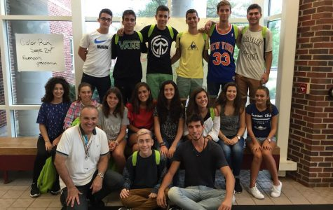 "Spanish exchange students say ""adios"" to their hosts"