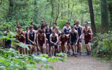 Boys' cross country team lines up to begin race against Swampscott
