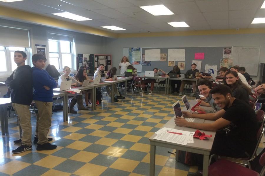 Mrs.+Grassetti%27s+freshmen+DECA++class