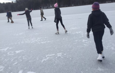 Gloucester kids try pond skating for the first time