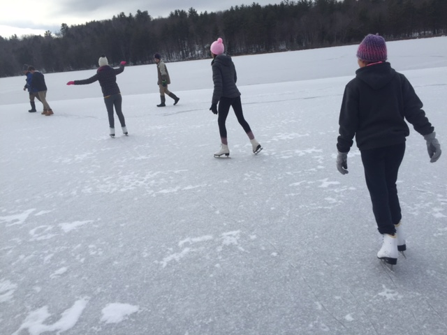 Gloucester+kids+try+pond+skating+for+the+first+time