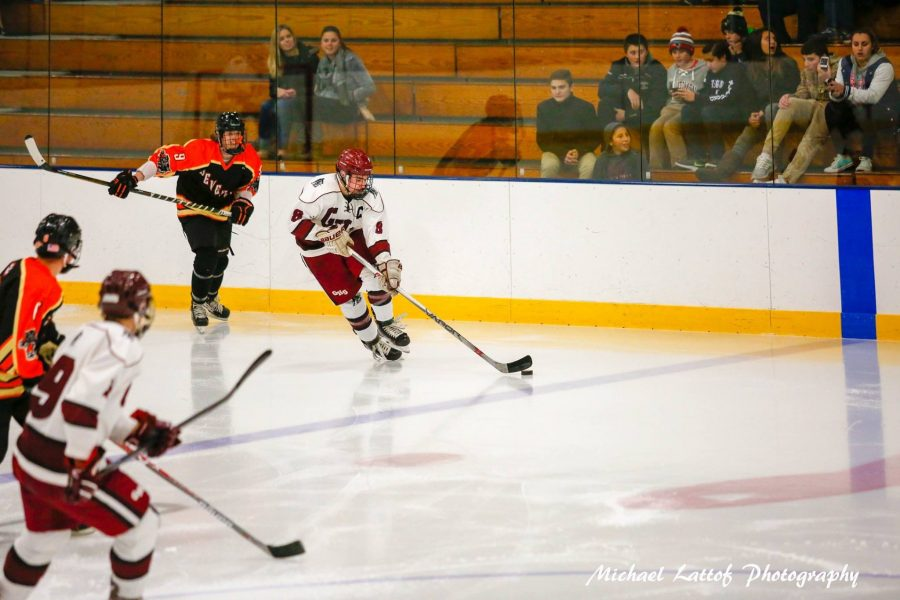 Senior+captain+Sal+Costanzo+skates+up+the+ice+in+last+Wednesday%27s+game+against+Beverly