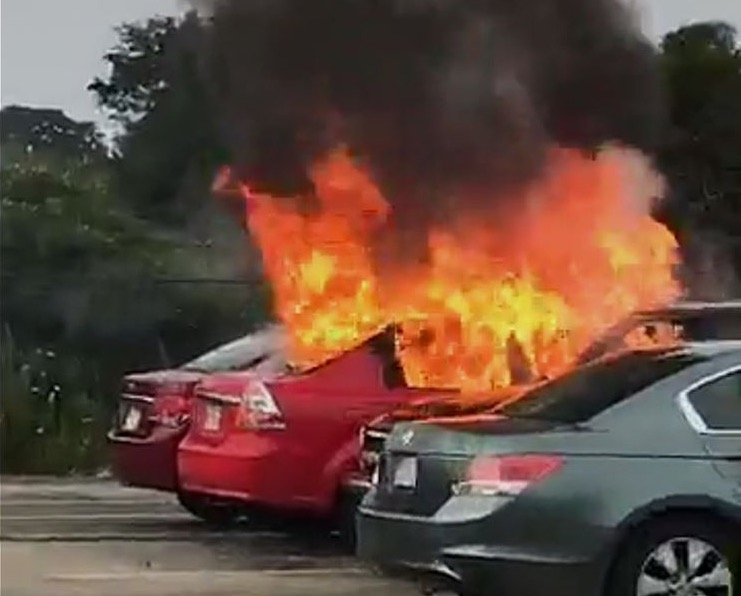 Car+fire+in+the+student+parking+lot+on+the+first+day+of+school