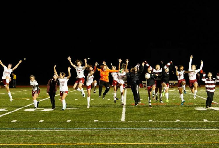 GHS+girls+soccer+team+celebrates+qualifying+for+the+state+tournament