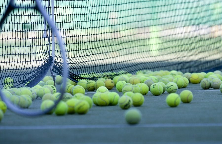 Boys Tennis looks to clinch playoff spot