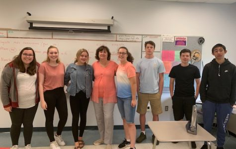 Señora Willson and her Spanish II students
