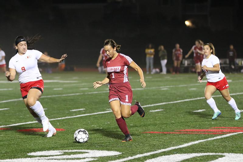 Mila+Barry+in+action+against+Everett+