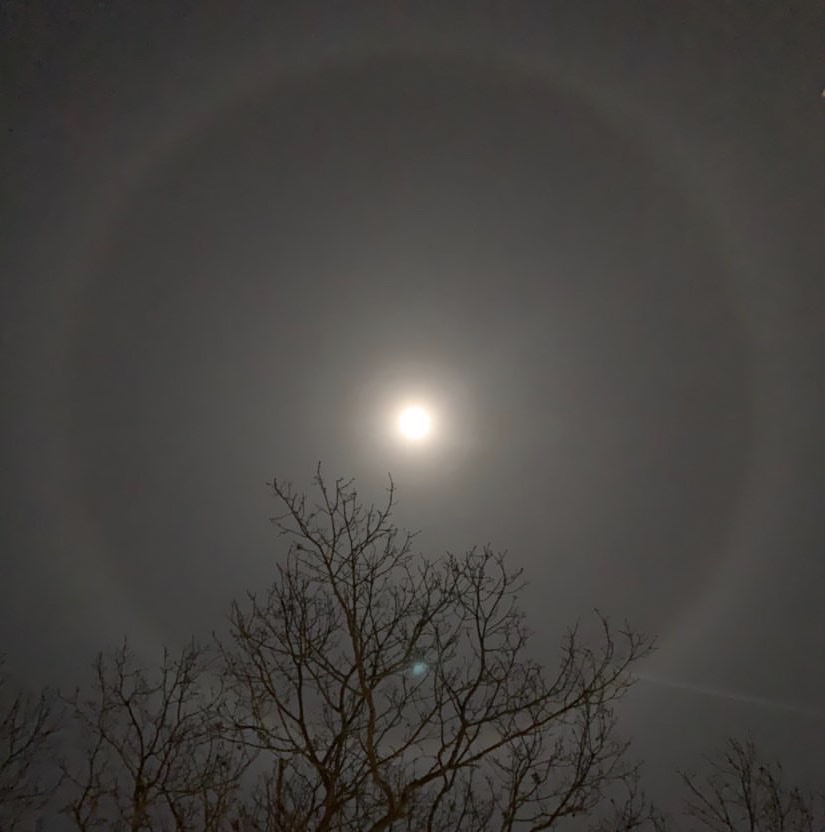 Lunar+Halo+over+downtown+Gloucester+Thursday+night.