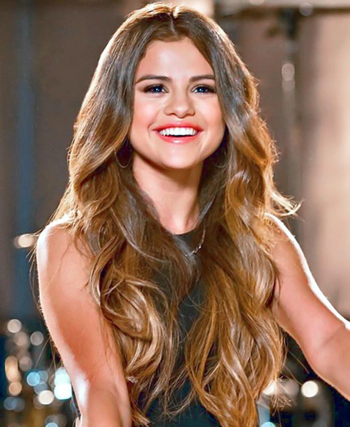 Selena Gomez in concert in 2013